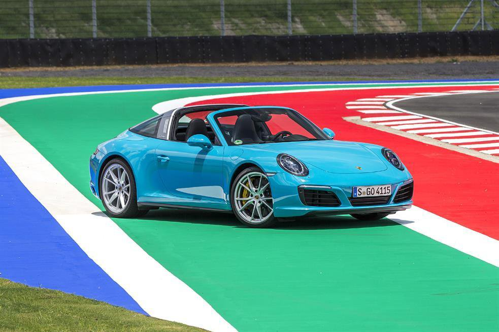 2016 Porsche 911 Carrera 4 Targa review