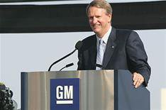 Obama forces GM chief to quit