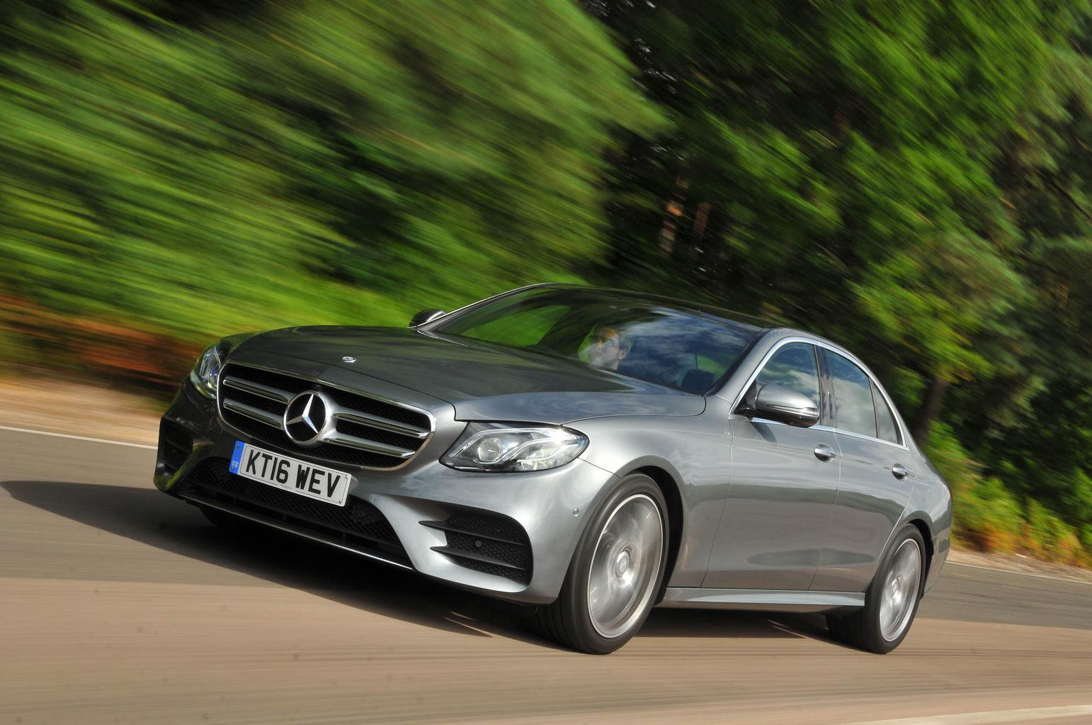 2016 Mercedes-Benz E-Class E 350 d review