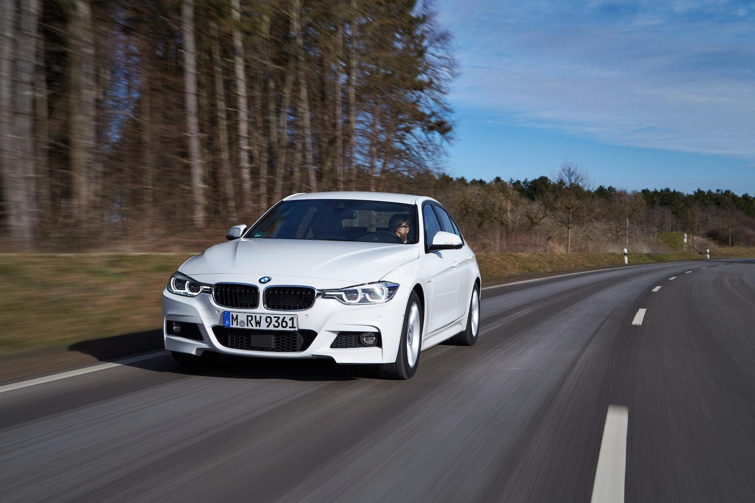 2016 BMW 3 Series 330e review