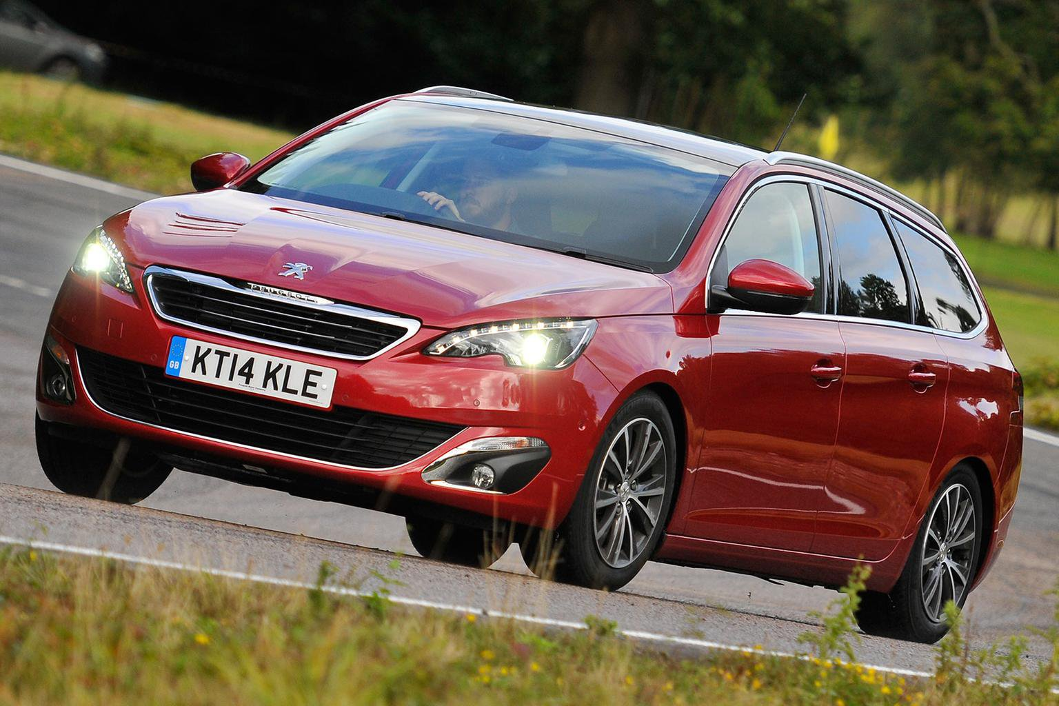 Real-world MPG: most economical estates 2016