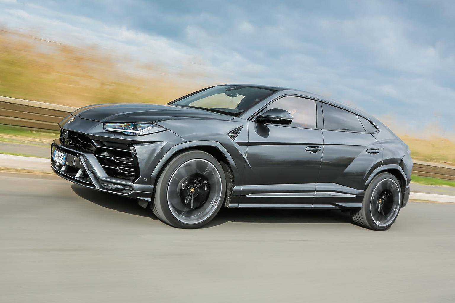 2018 Lamborghini Urus Review Price Specs And Release Date What Car