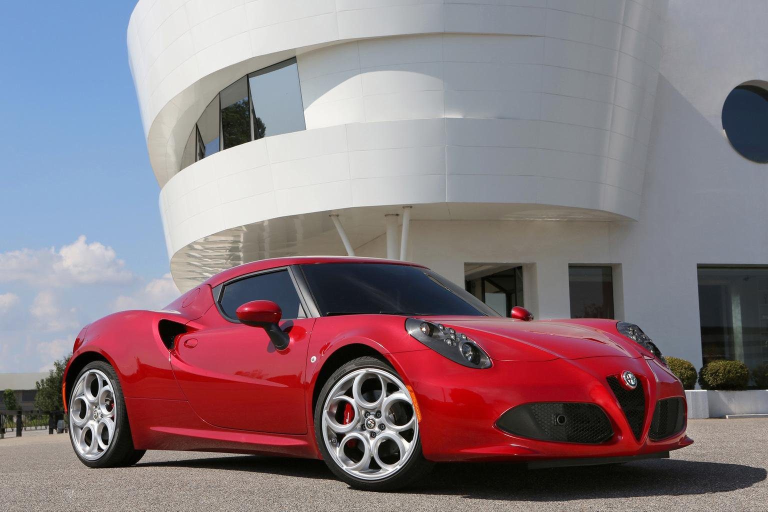 Alfa Romeo 4C price announced
