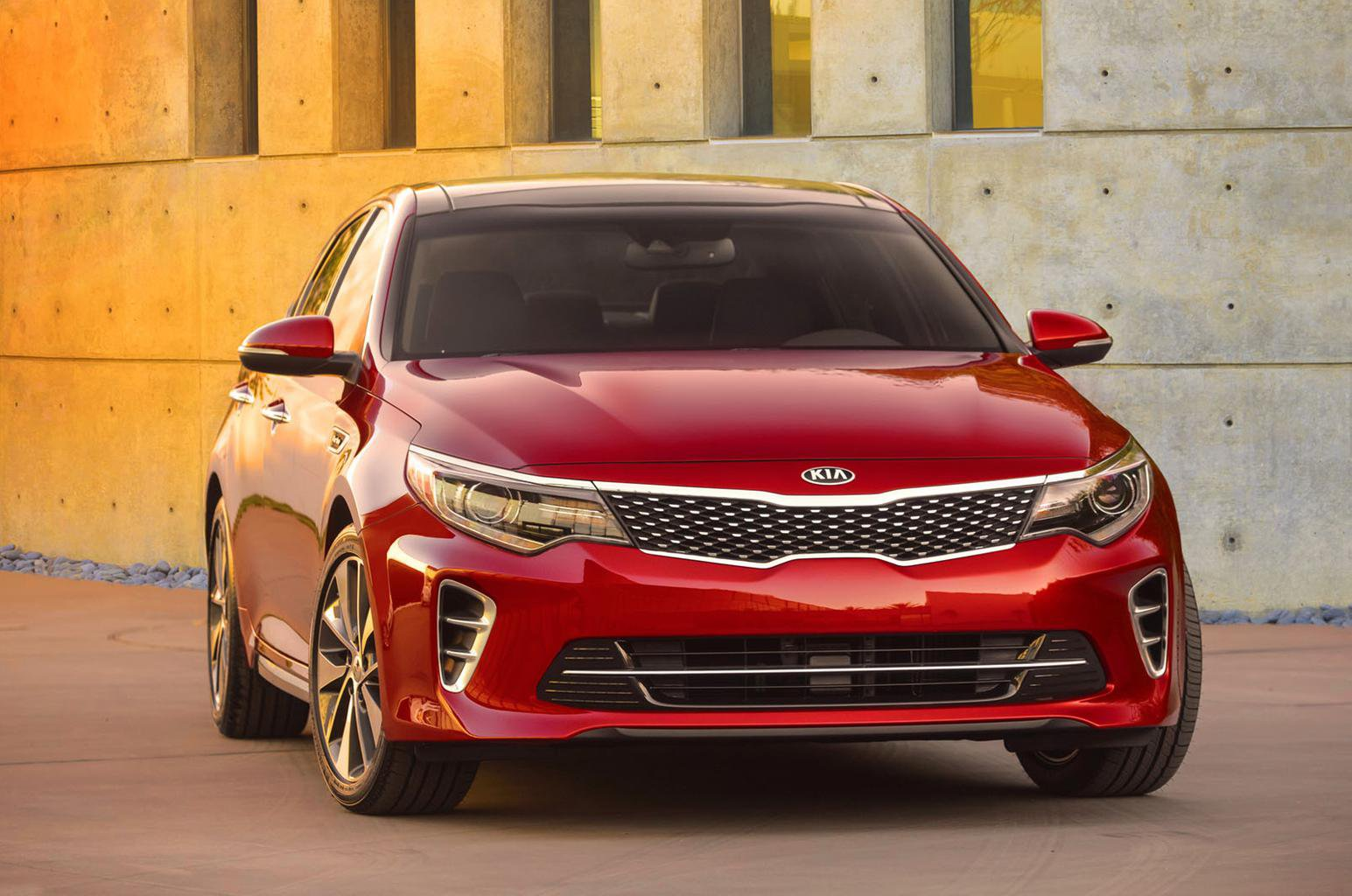 New Kia Optima shown ahead of year-end launch
