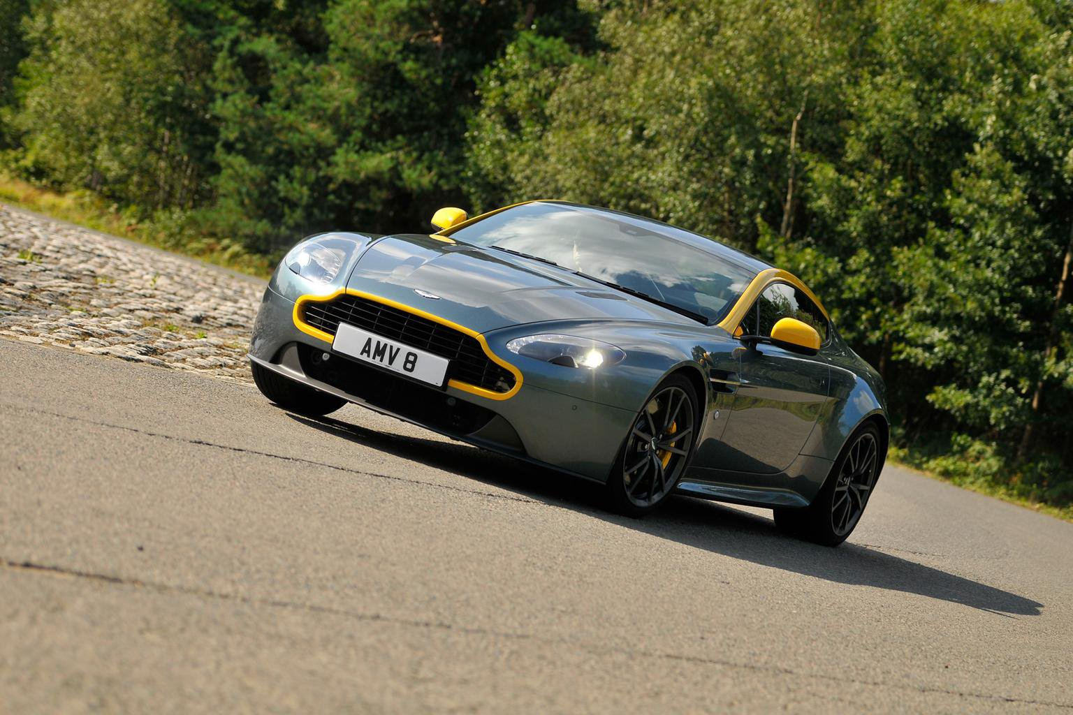 2014 Aston Martin V8 Vantage N430 review