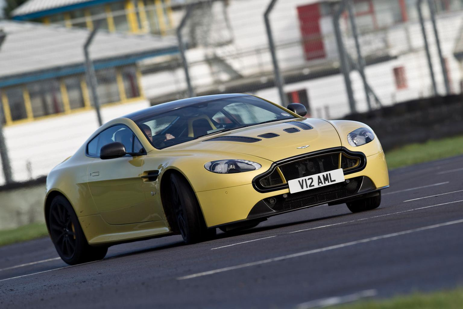 2014 Aston Martin V12 Vantage S review