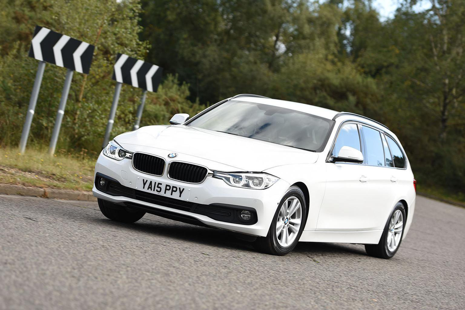 2015 BMW 3 Series Touring 320d ED Plus auto review