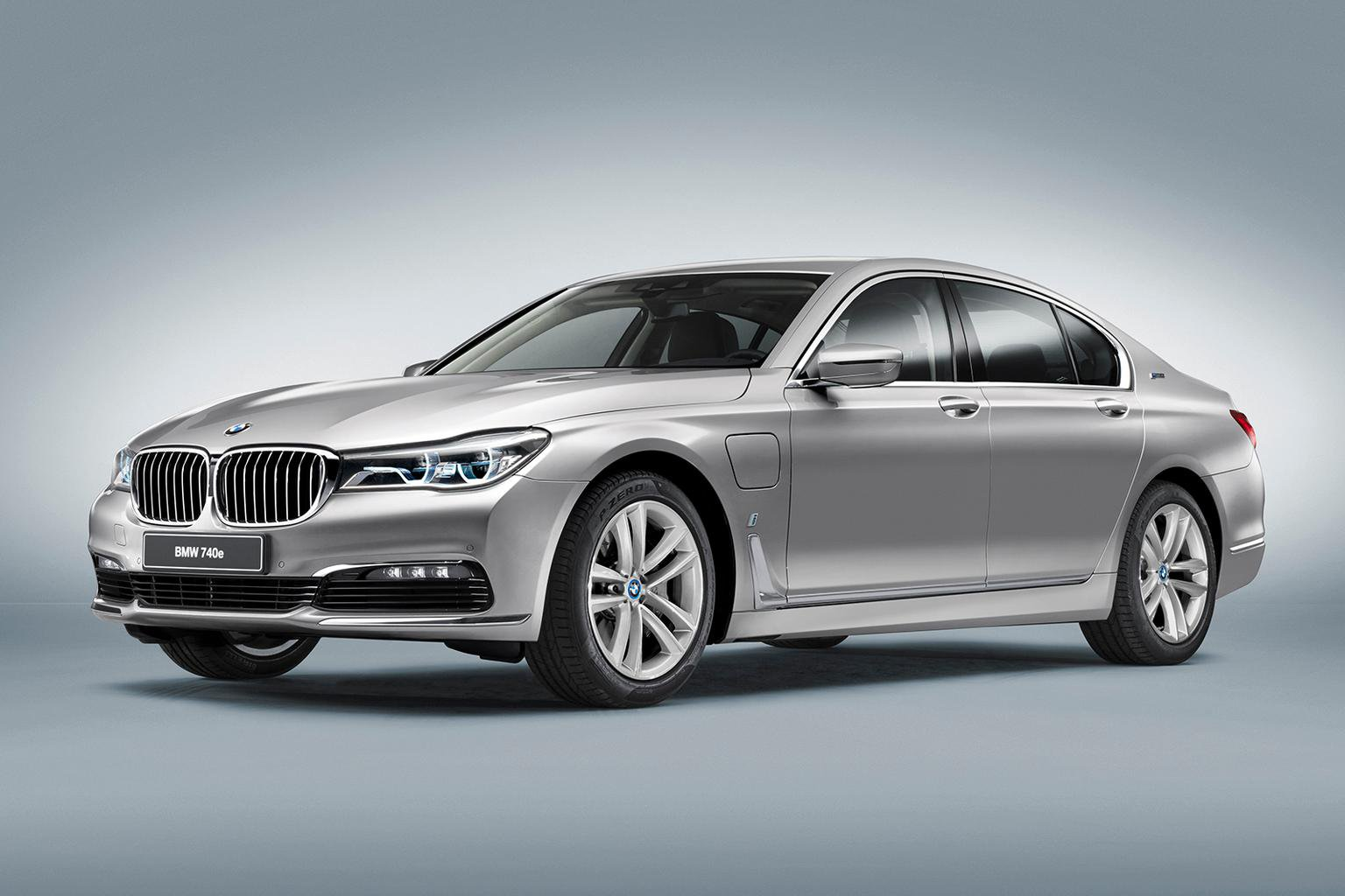 New hybrid BMW 7 Series revealed