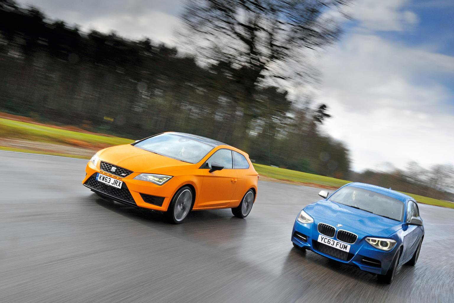 BMW M135i vs Seat Cupra