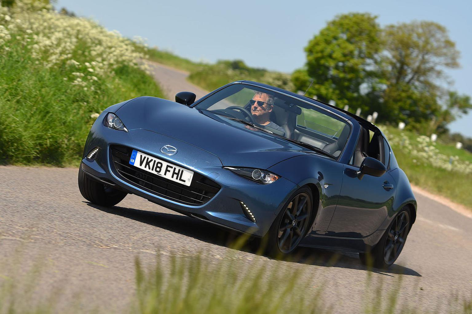 2018 Mazda MX-5 RF Sport Black review - price, specs and release date