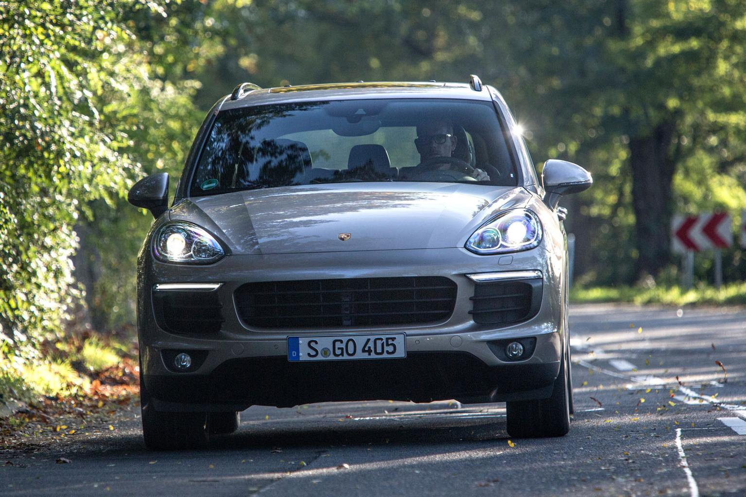 2015 Porsche Cayenne S E-Hybrid review