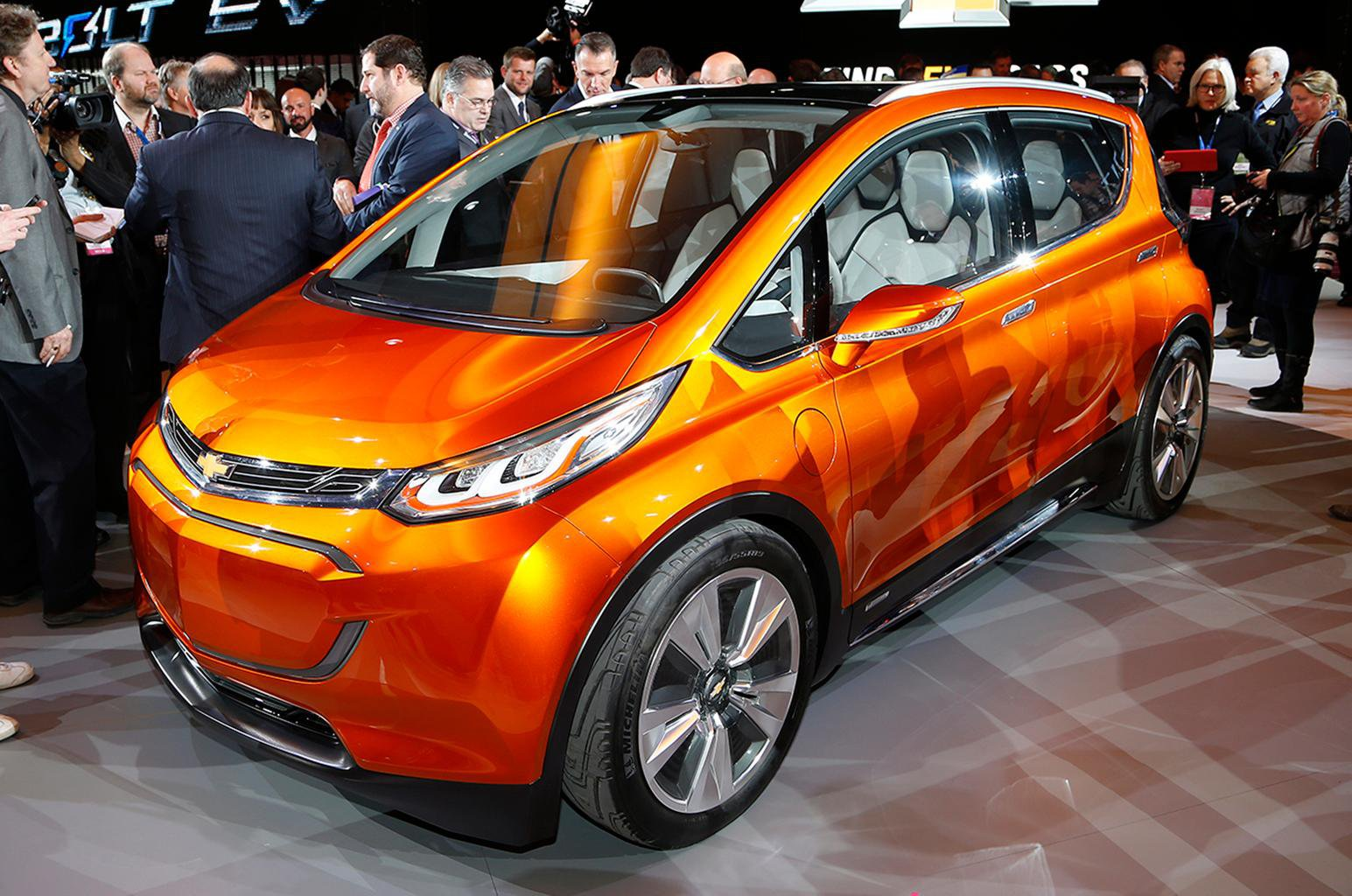Chevrolet reveals updated Volt and Bolt EV concept