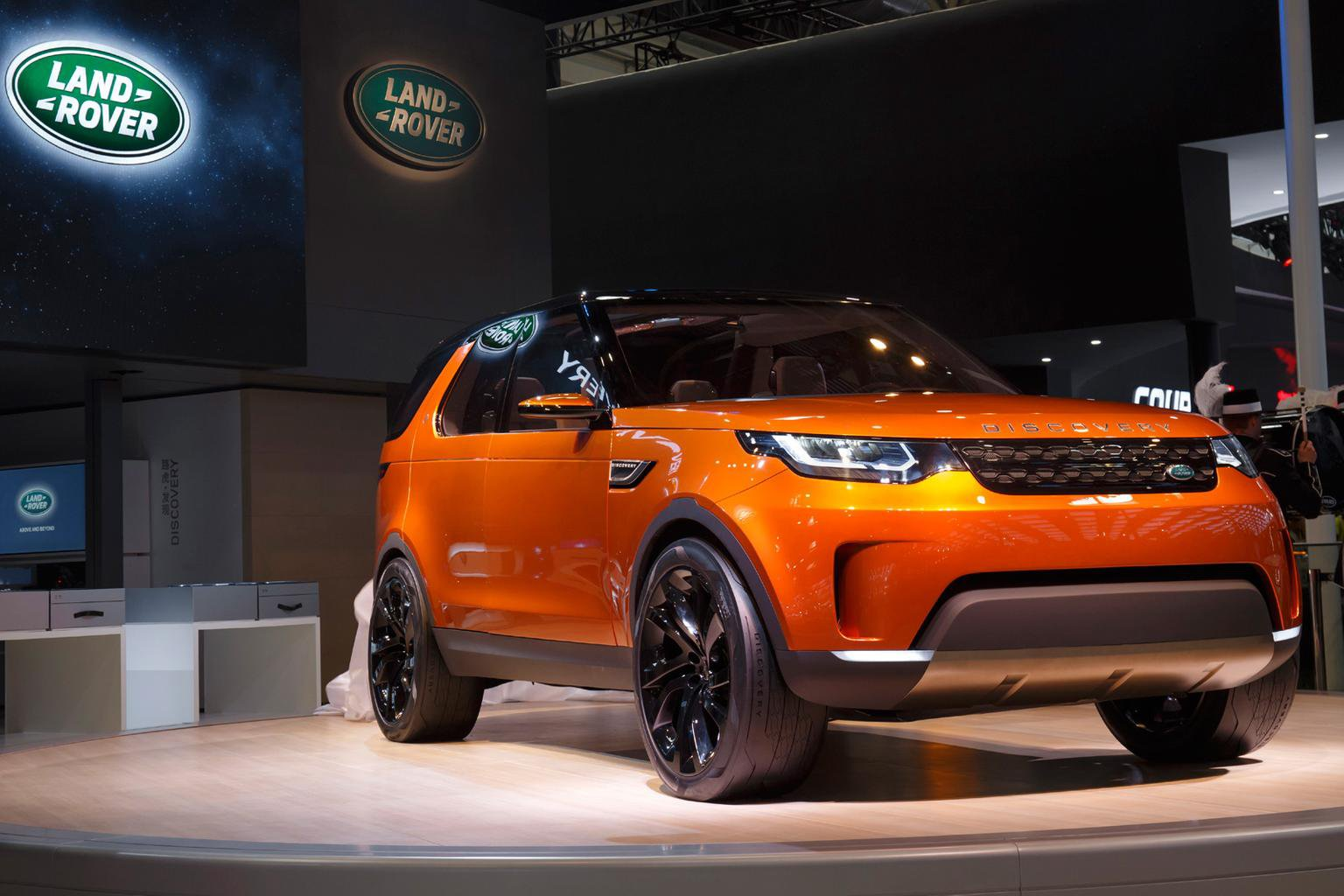 Land Rover Discovery Sport to launch with Freelander diesel