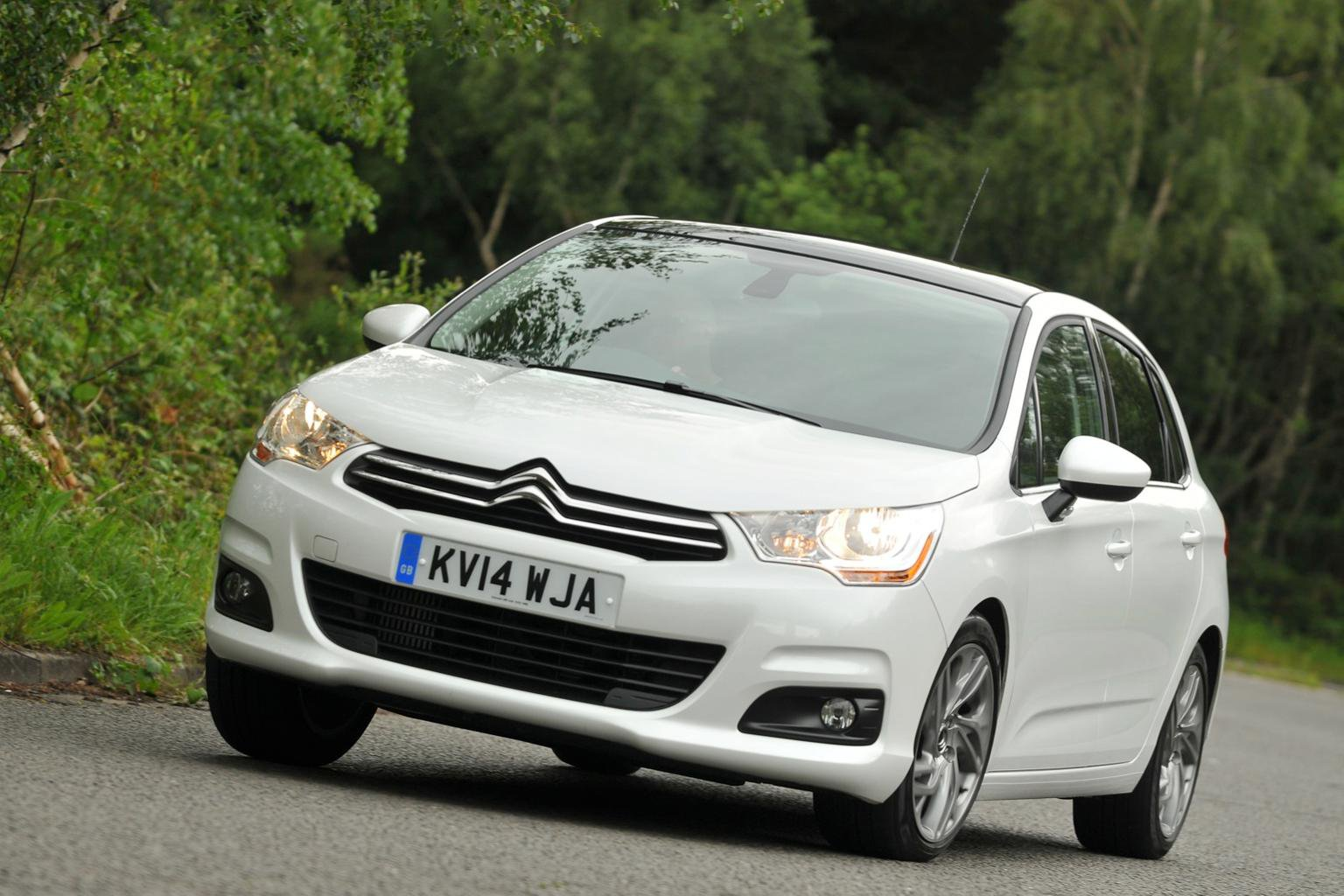 2014 Citroen C4 e-THP 130 review - updated