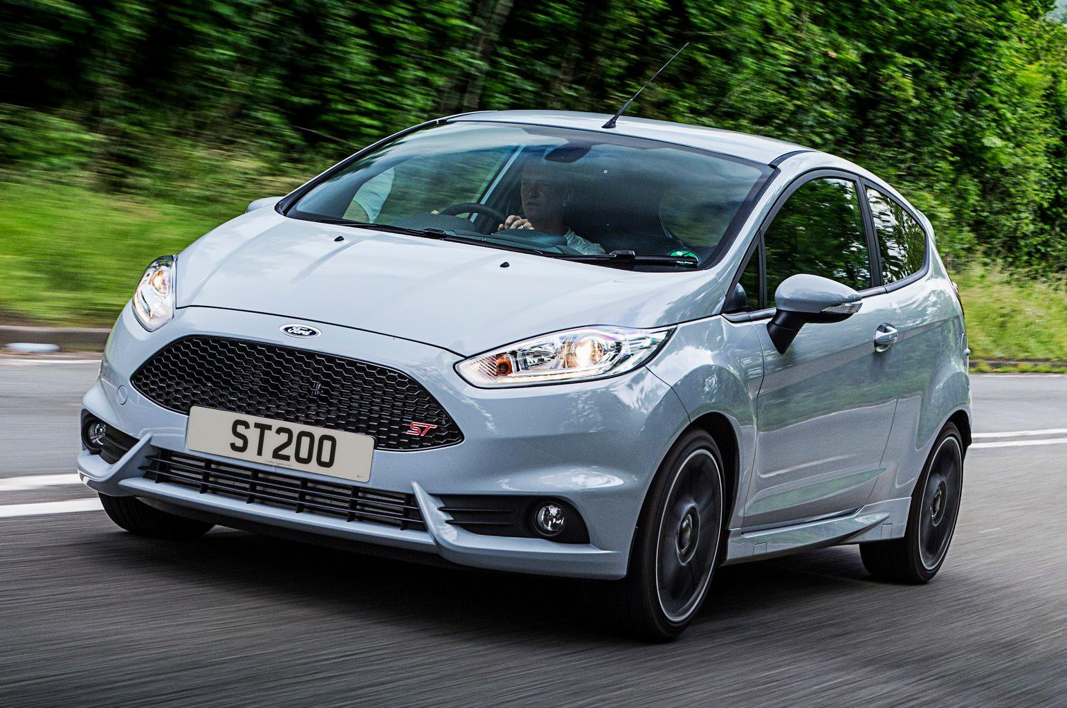 2016 Ford Fiesta ST200 review