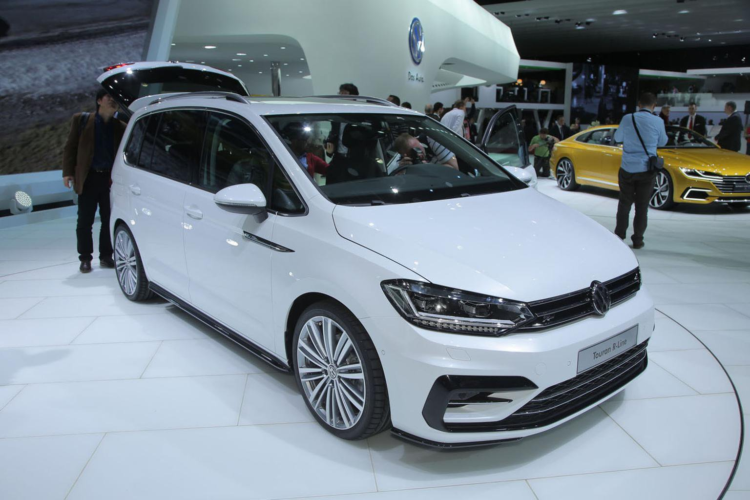 2016 Volkswagen Touran priced from 22,240