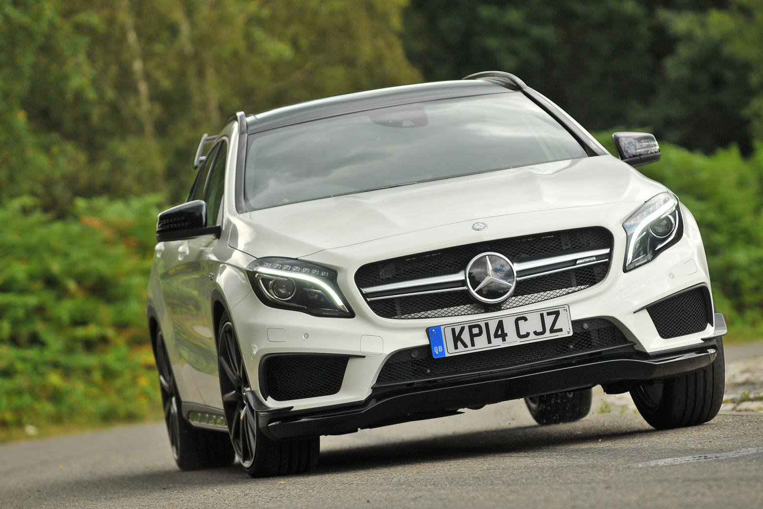 2014 Mercedes GLA45 AMG review - updated