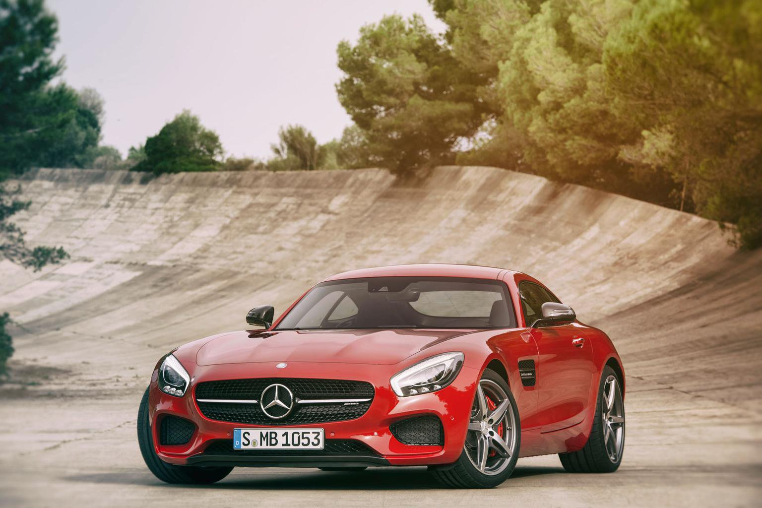 2015 Mercedes-Benz AMG GT - pricing, engines and video