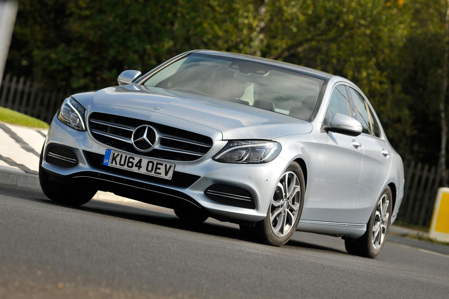 2014 Mercedes C-Class C300 Bluetec Hybrid | What Car?