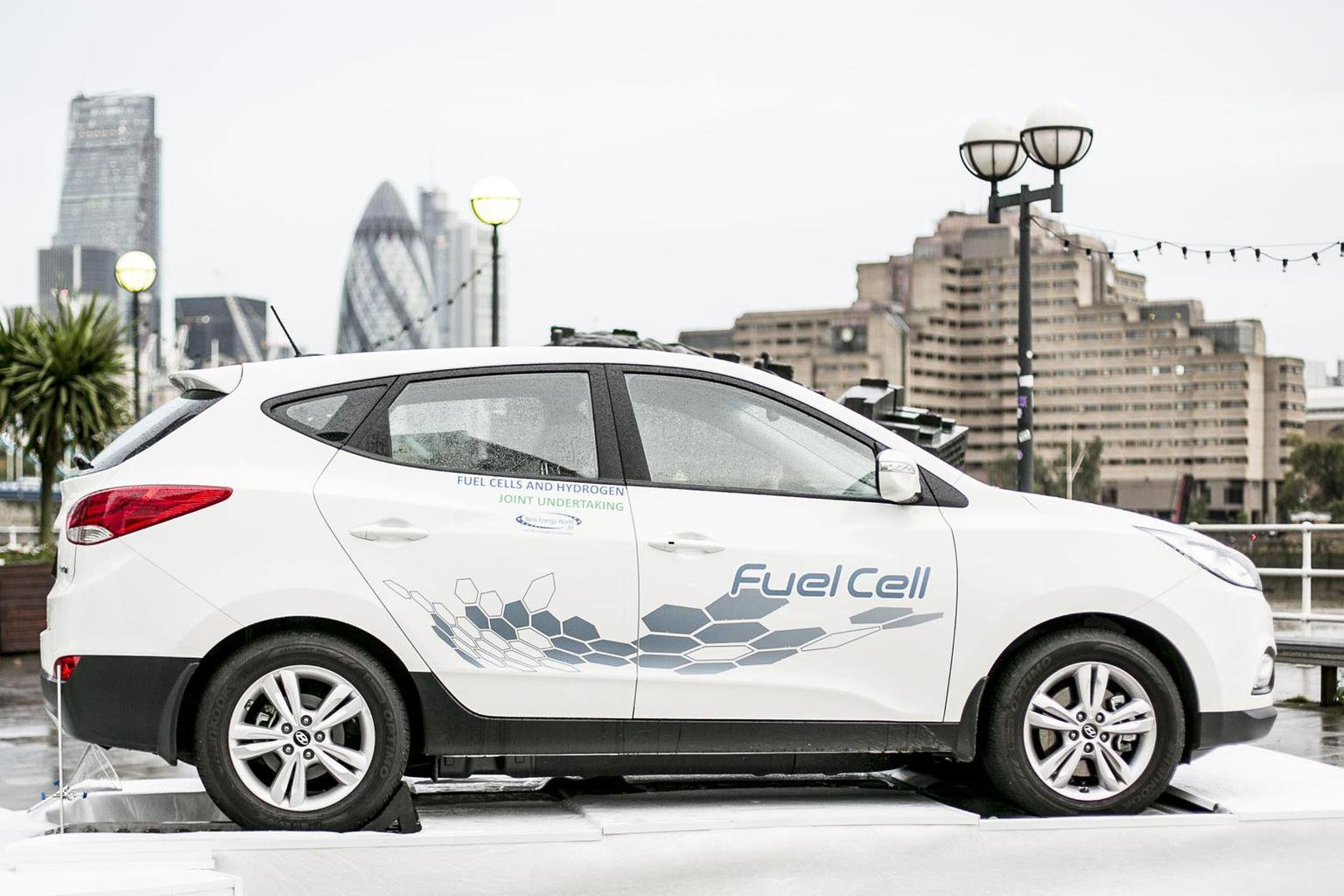 Hyundai plans fuel cell and performance models