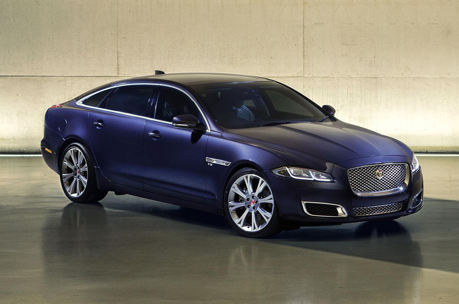Jaguar XJ updated for 2016