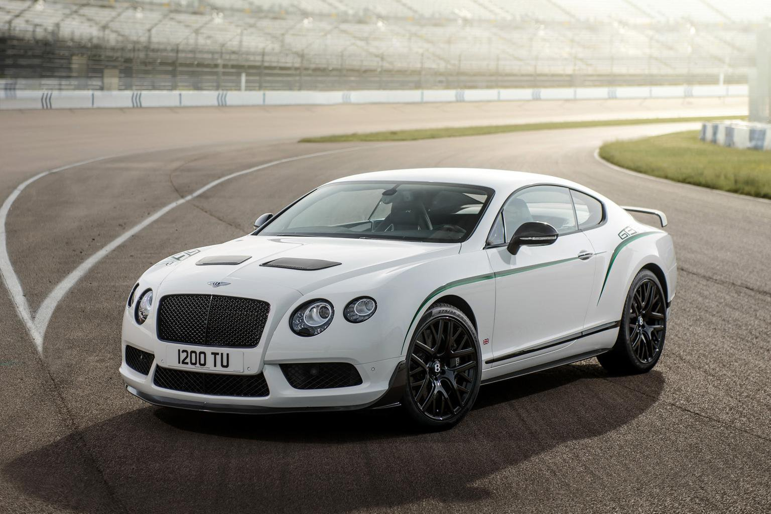Race-inspired Bentley Continental GT3-R revealed