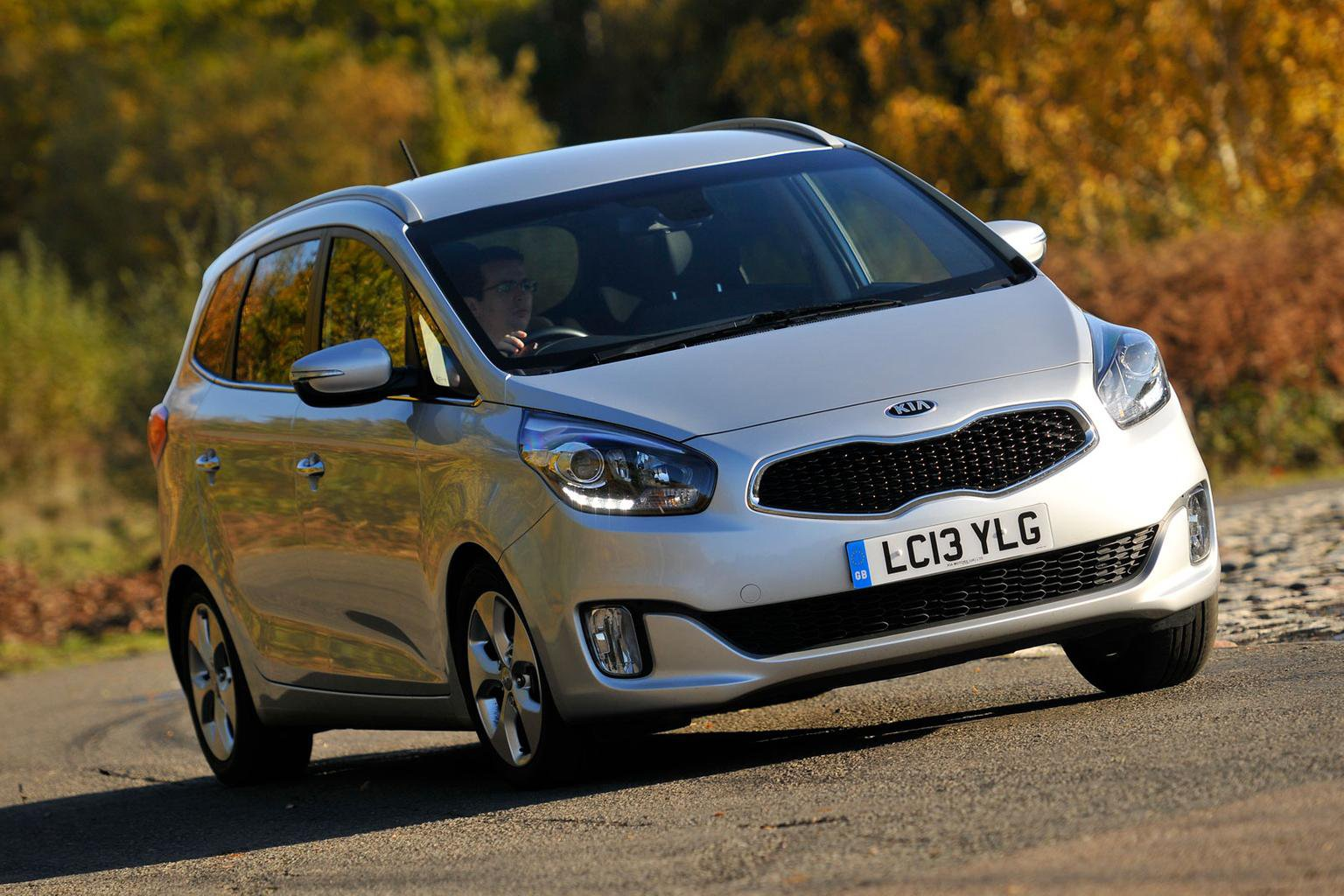 Deal of the day: Kia Carens