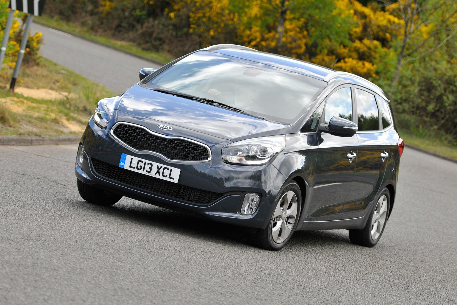 Five-star Euro NCAP crash test results for Kia Carens and Qoros 3