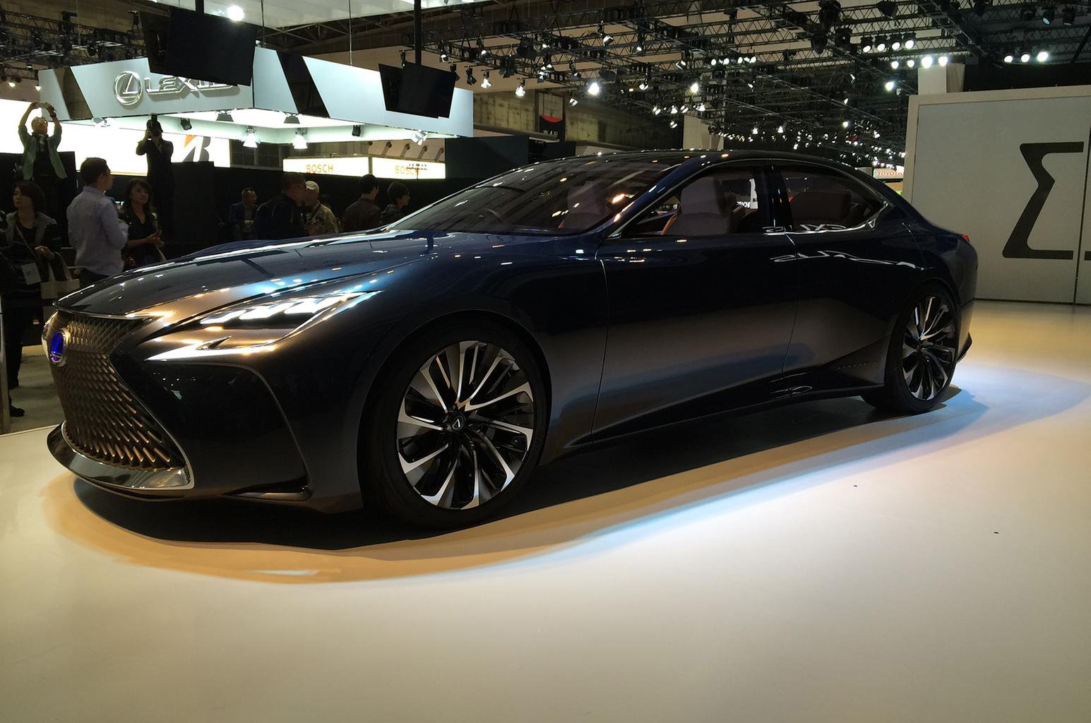 Lexus previews new LS luxury saloon with LF-FC concept