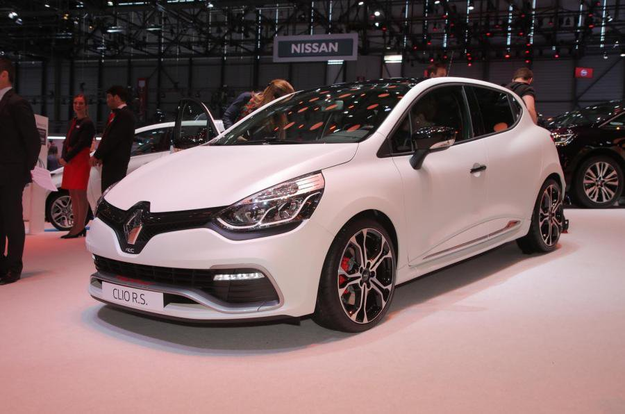2015 Renault Clio 220 Trophy - Engines, specs, pricing | What Car?