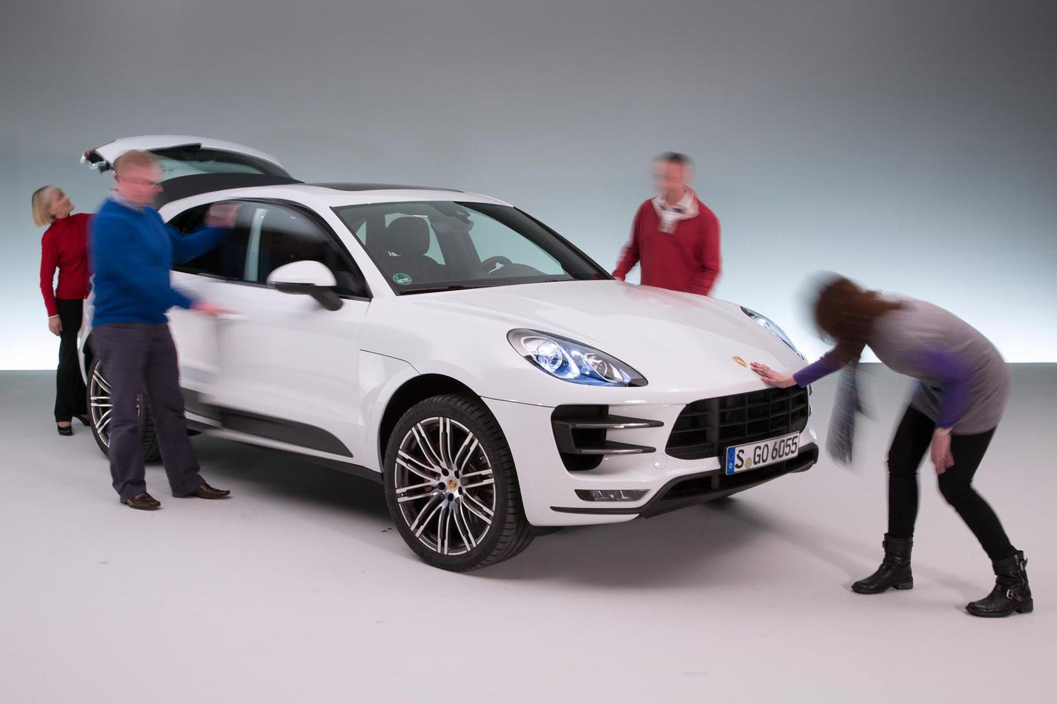 Reader preview of the Porsche Macan