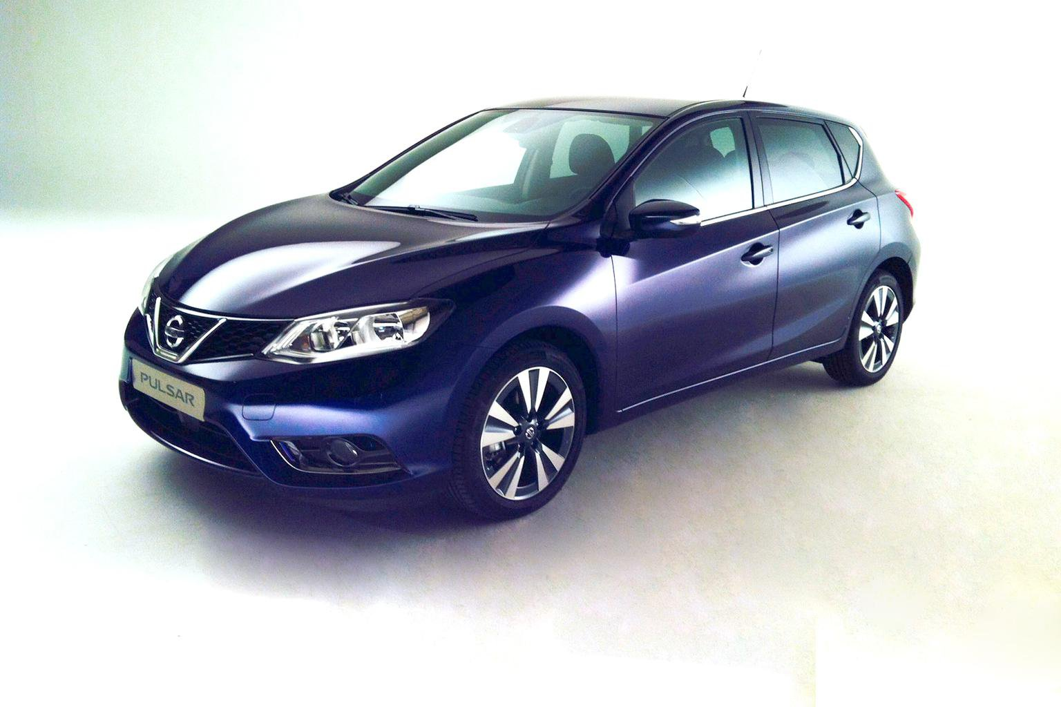 How the 2014 Nissan Pulsar will beat the VW Golf