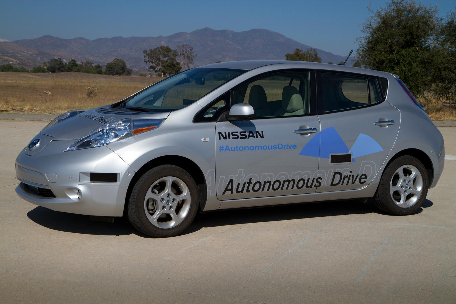 Nissan self-driving cars by 2020