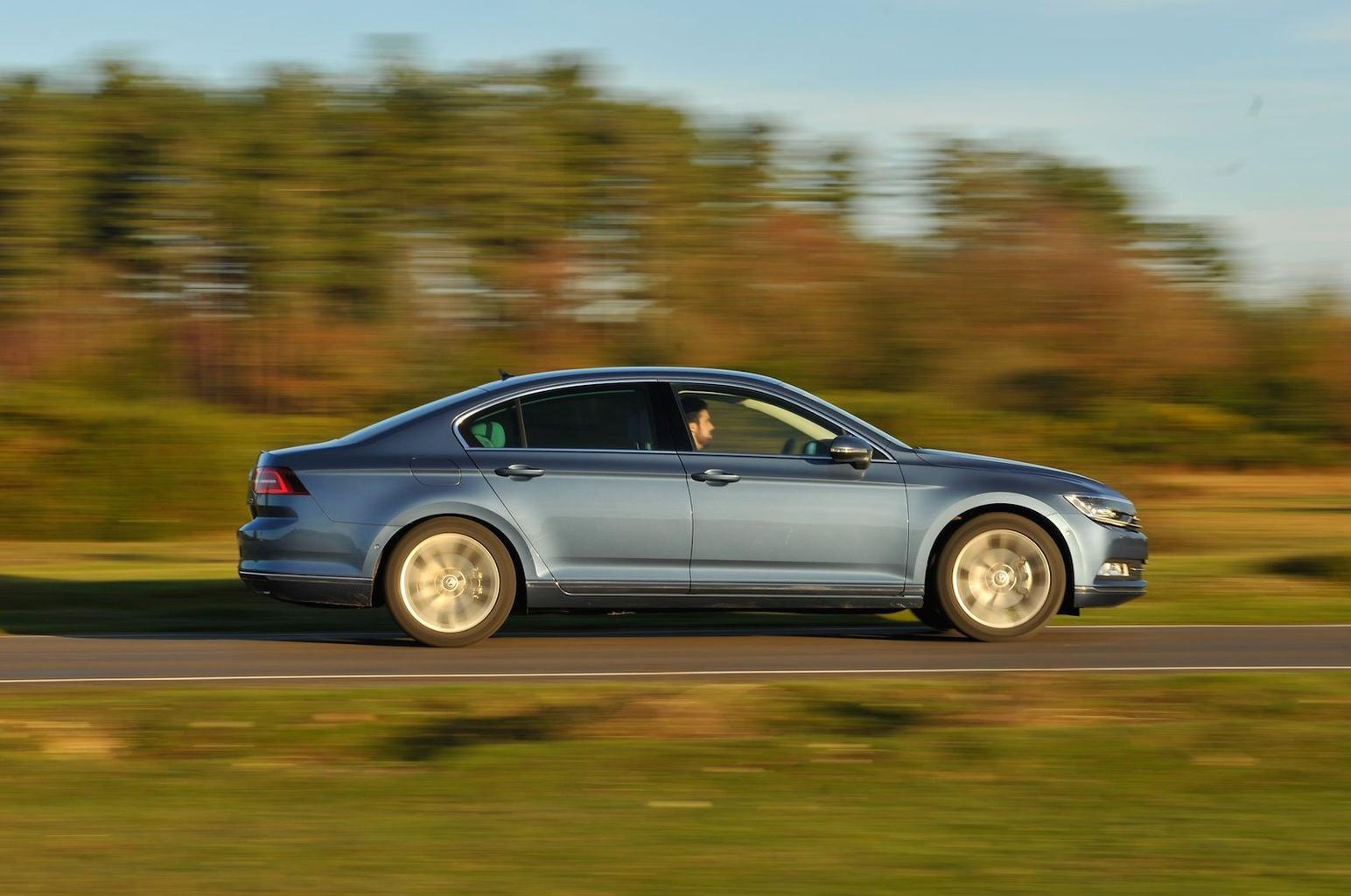 Volkswagen reveals Passat Bluemotion fuel economy figures
