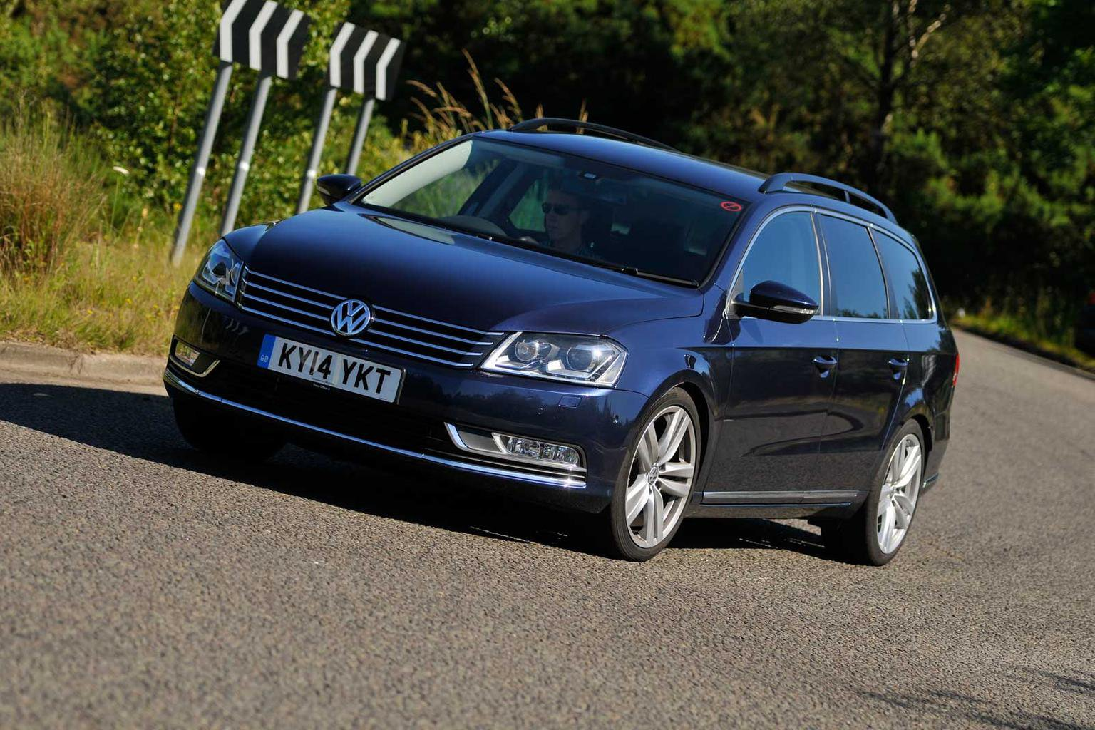 2014 Volkswagen Passat Executive Style review | What Car?