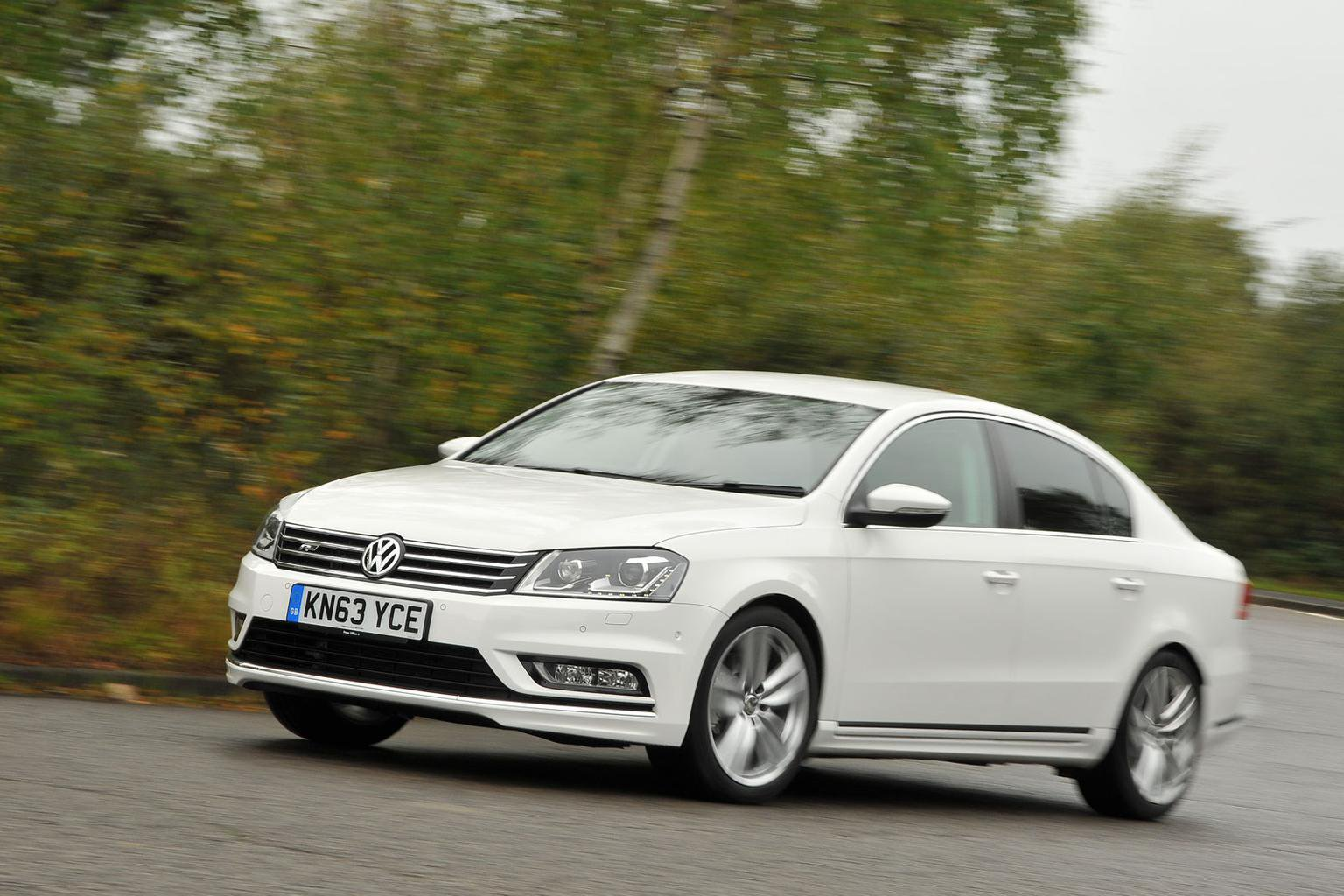 2013 Volkswagen Passat R-Line review | What Car?