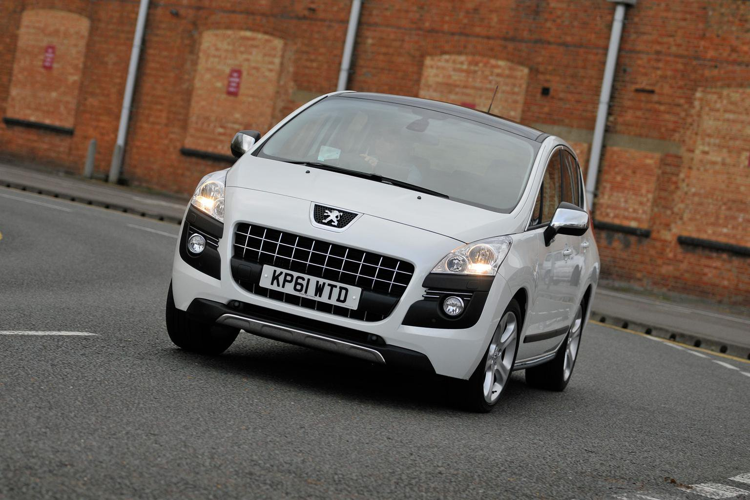 Ford Focus and Peugeot 3008 star in this week's deals