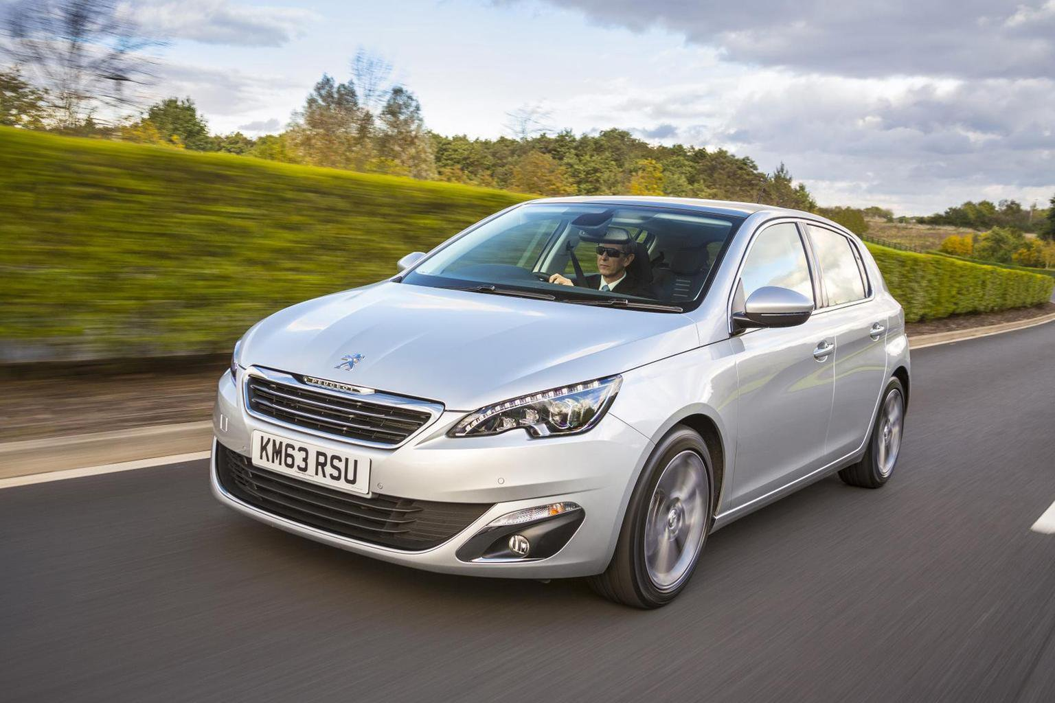Save up to 3k on the new Peugeot 308