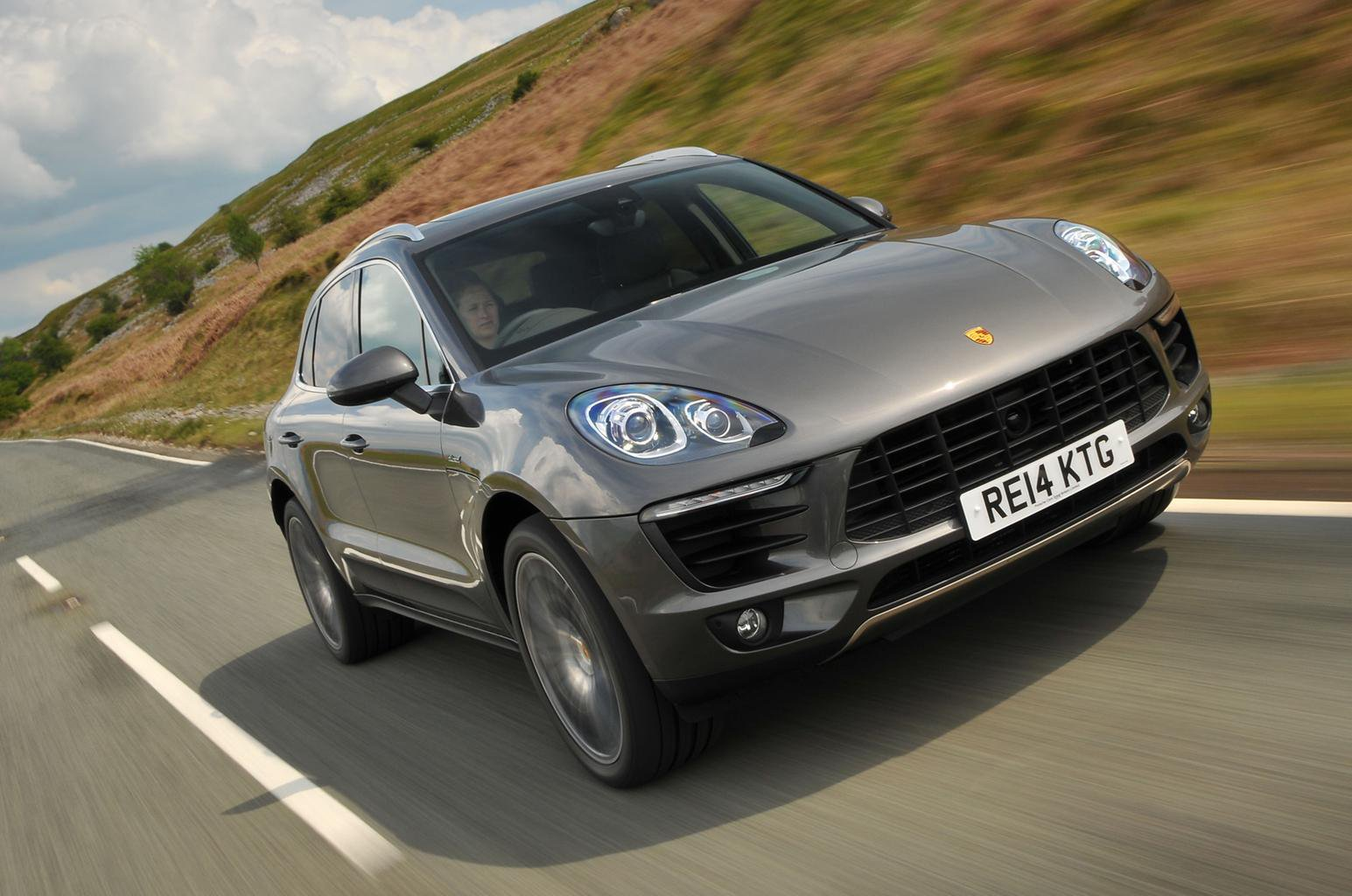 Video: 2015 Porsche Macan review