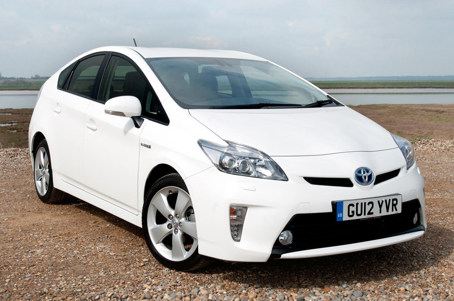Deal of the Day: Toyota Prius Plug-in