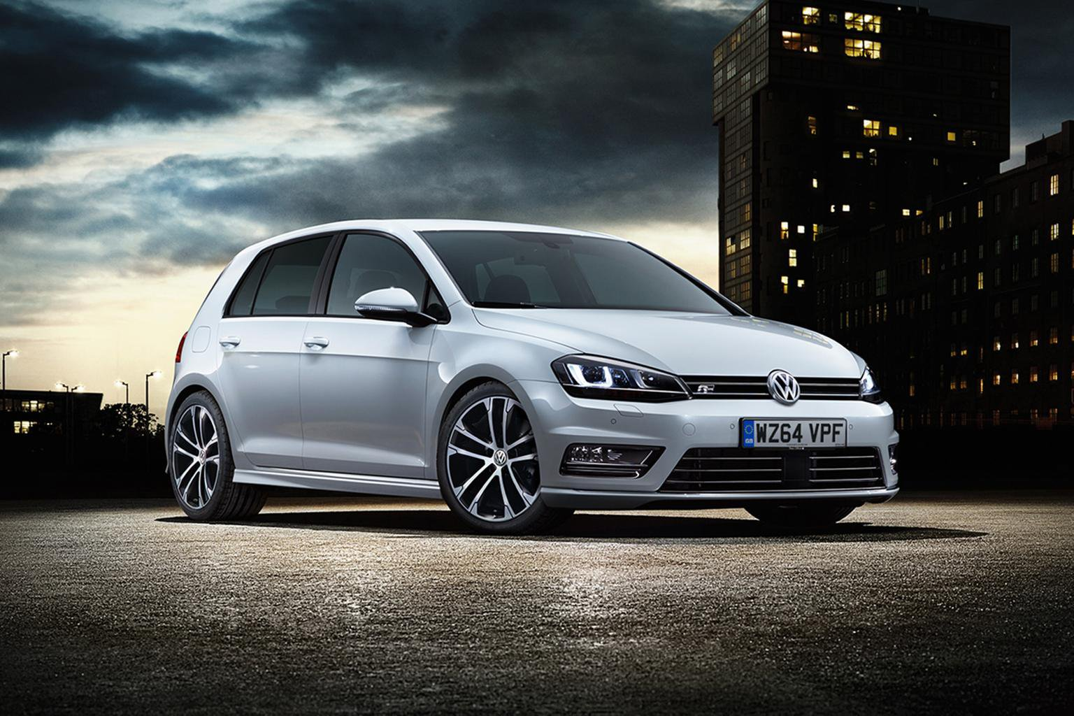 Volkswagen launches new R-line trim level for Golf