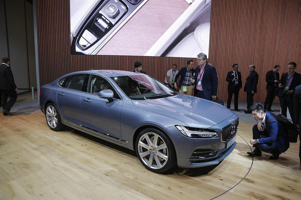 New Volvo S90 - specs and prices revealed