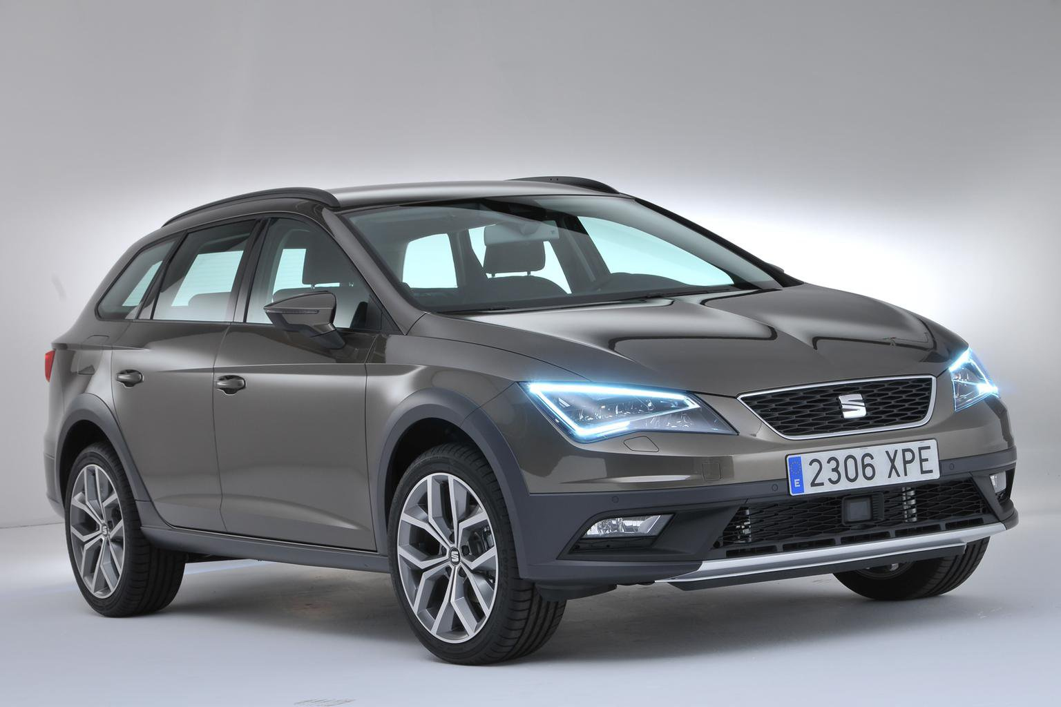 2014 Seat Leon ST X-Perience revealed - exclusive pictures