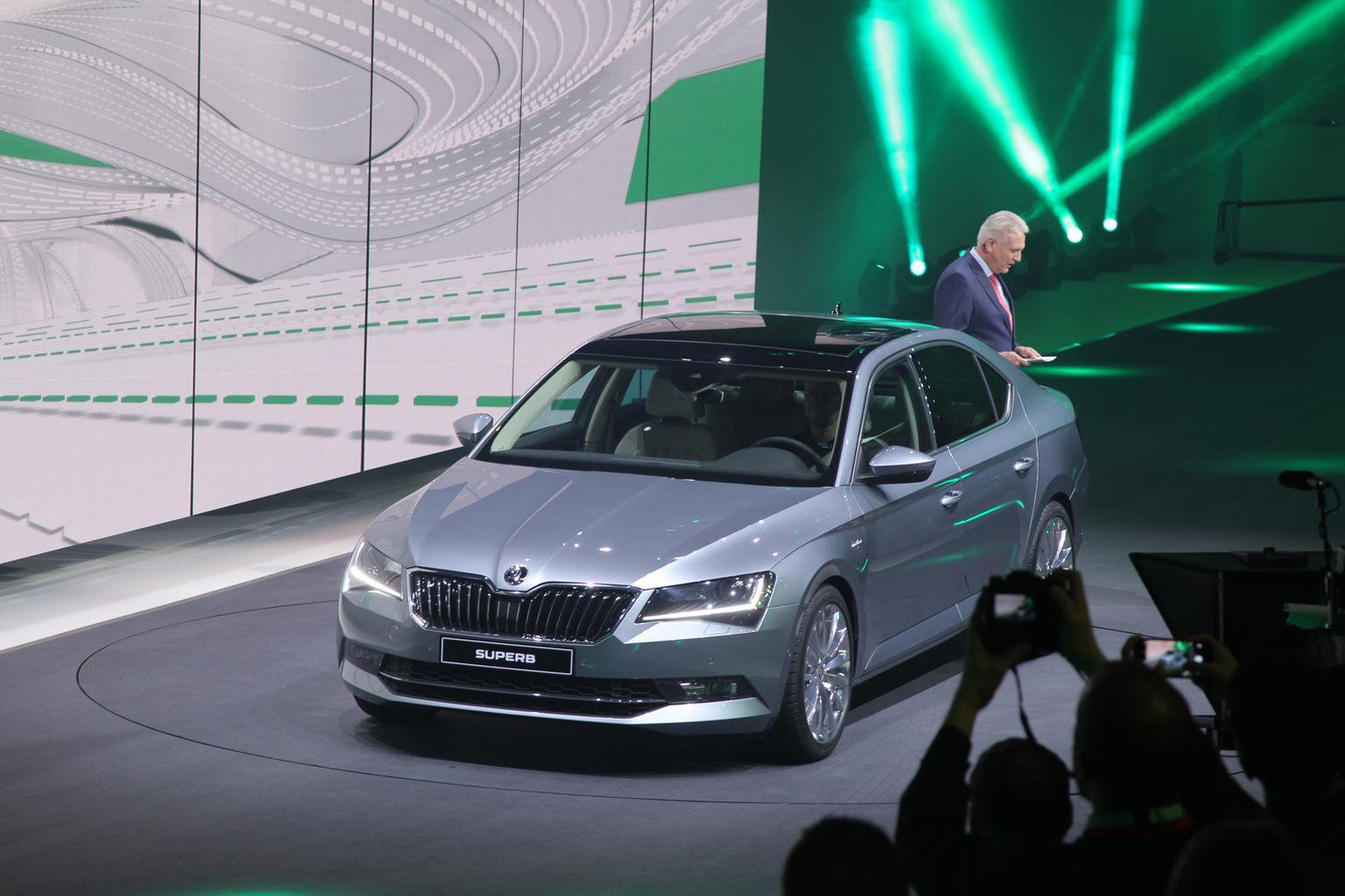 2015 Skoda Superb - full pricing, engines and our pictures