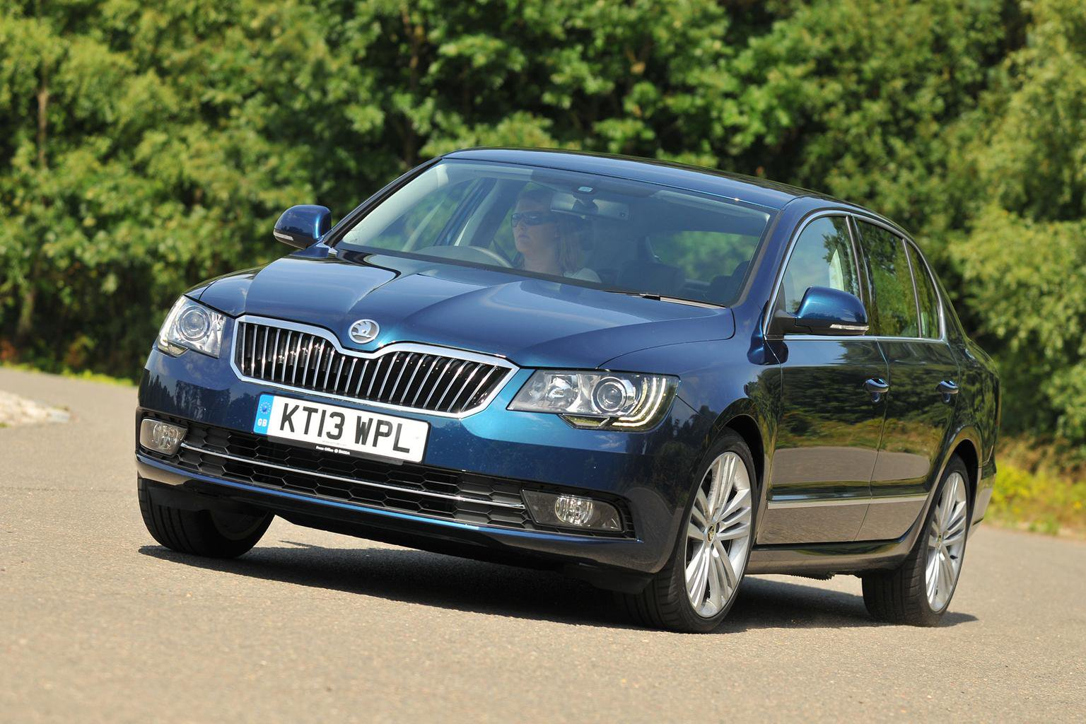 2013 Skoda Superb review