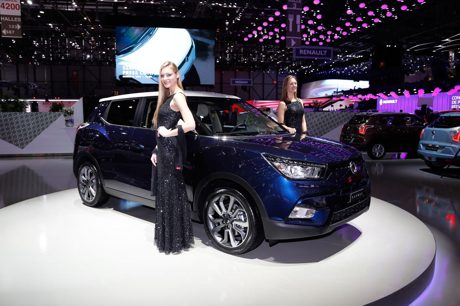 2015 Ssangyong Tivoli SUV - prices, specification and pictures