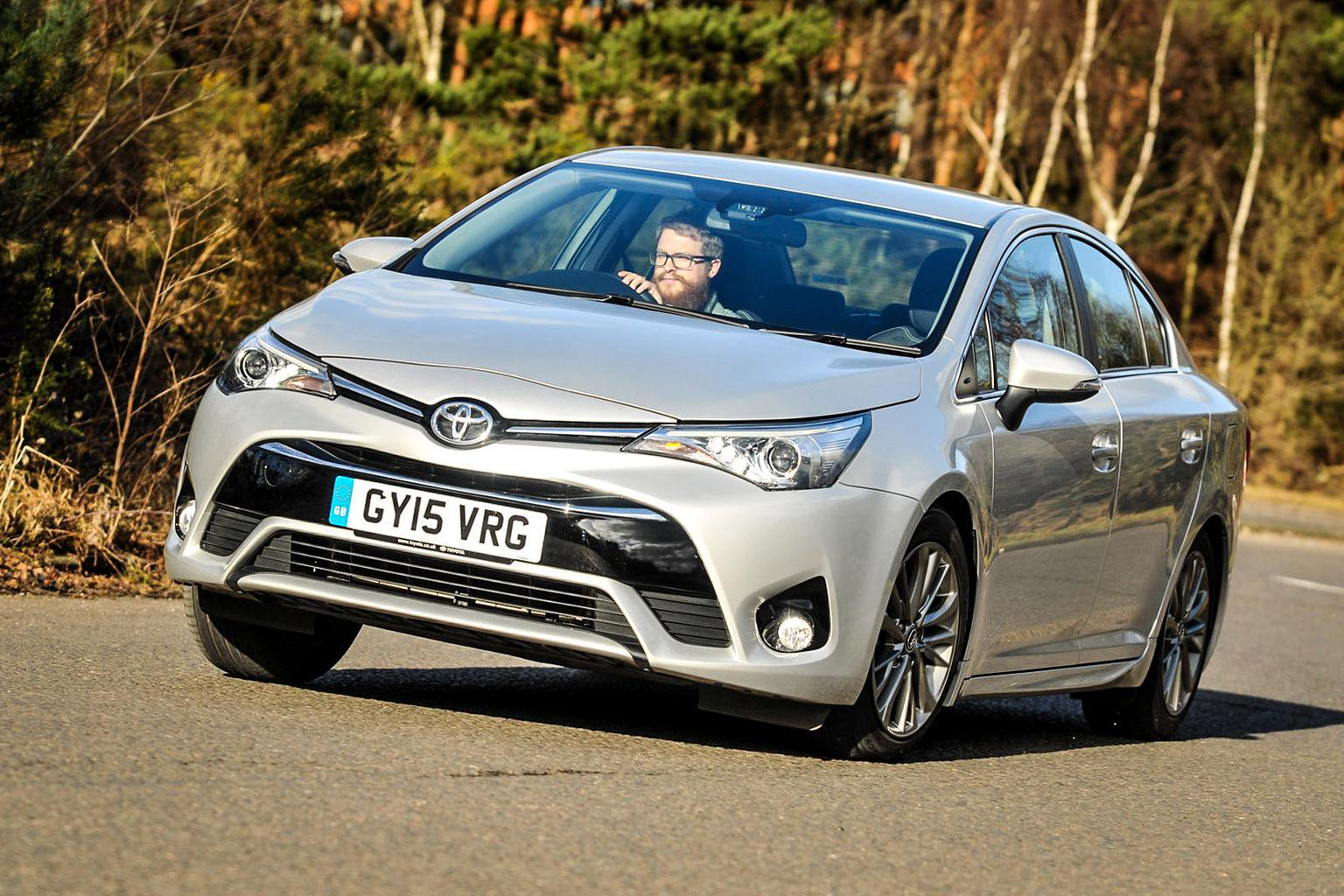 2016 Toyota Avensis 2.0 D-4D review