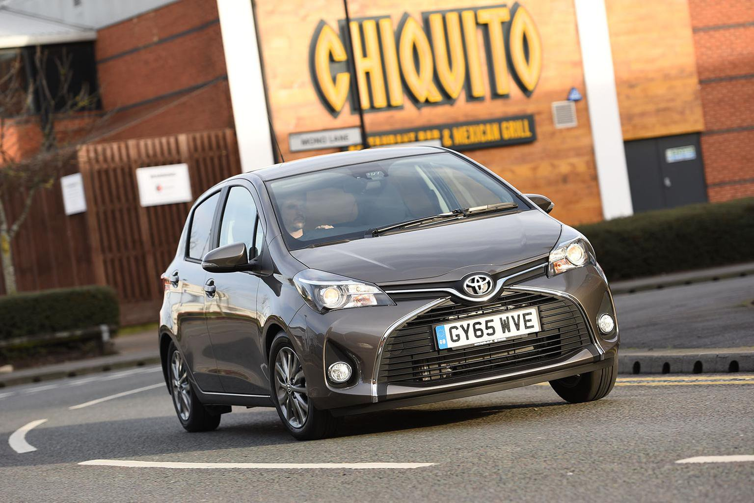2016 Toyota Yaris 1 33 Vvt I Review