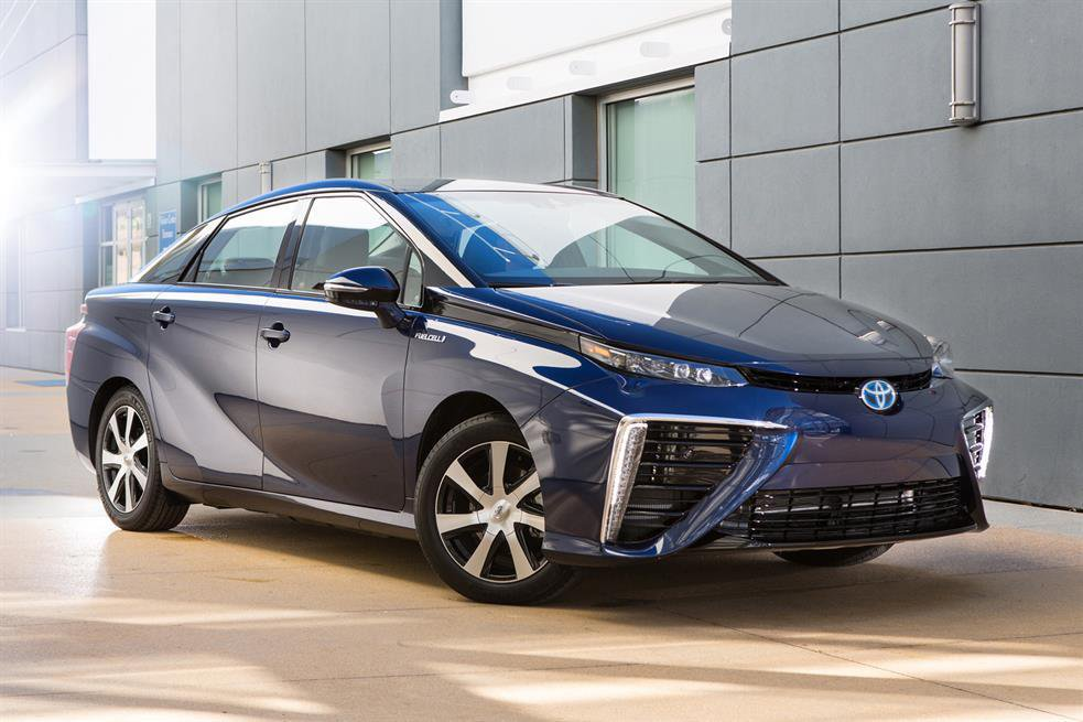 2015 Toyota Mirai - exclusive reader test team preview and test drive