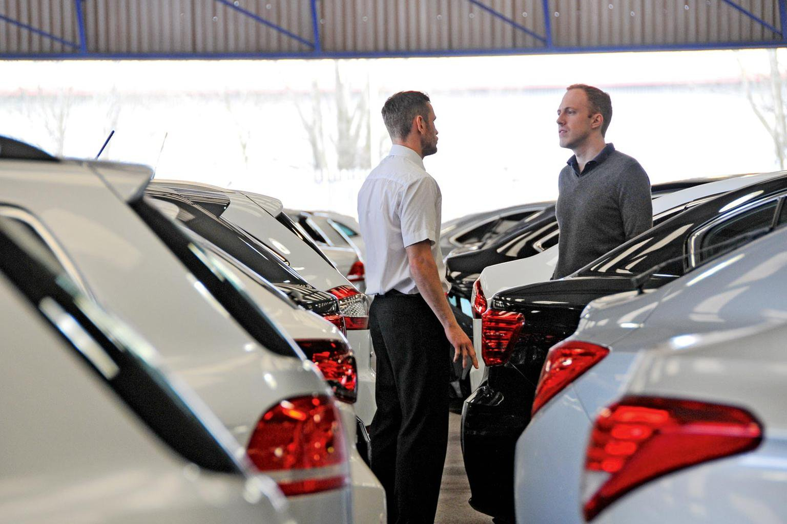 Which dealers tell the truth on fuel economy?